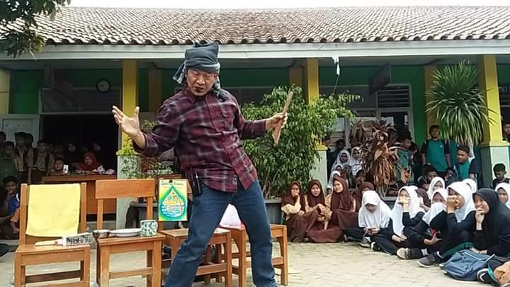 Budi Sabarudin, Keliling Indonesia untuk Bersedekah Lewat Dongeng