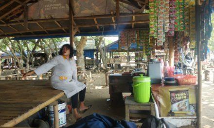 Pasca Gempa, Pedagang di Pantai Caringin Resah