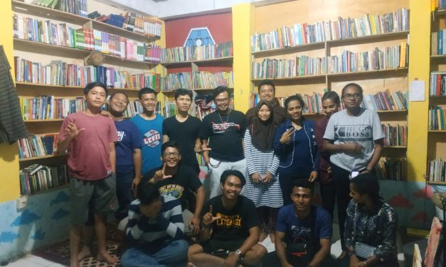 Moli Gandeng Mahasiswa Papua Donasikan Buku