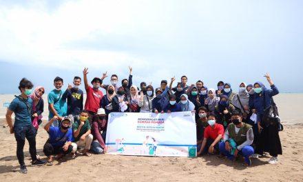 Ajak Komunitas, TBM Jawara Bersih-Bersih Pantai Peringati Sumpah Pemuda