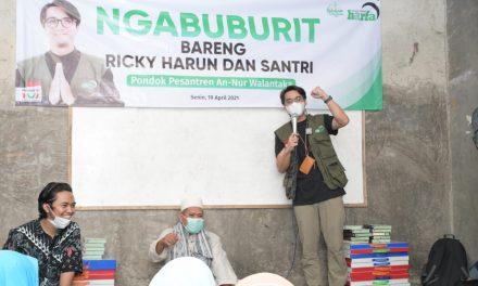 LAZ Harapan Dhuafa dan Ricky Harun Ngabuburit Bagikan Takjil dan Bukber di Pesantren