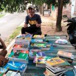 Gelar Lapak Buku, KMB Ajak Masyarakat Gemar Membaca
